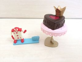 Dollhouse Miniature Disney Queen of Heart Cake, Card From Alice in Wonde... - $45.00