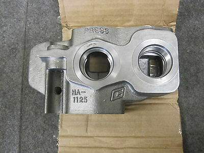 Muncie 90 Series Valve Outlet Section 90VS02Y New