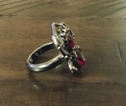 NEW Sparkling SPIDER Ring Red Stone Gun Metal Halloween Goth Avon w box size 6 image 4