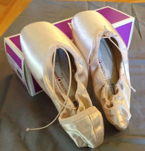 Russian Pointe Lumina Draw LD Size 38, 4W, 2V, Flexible Medium Shank, New - $59.83