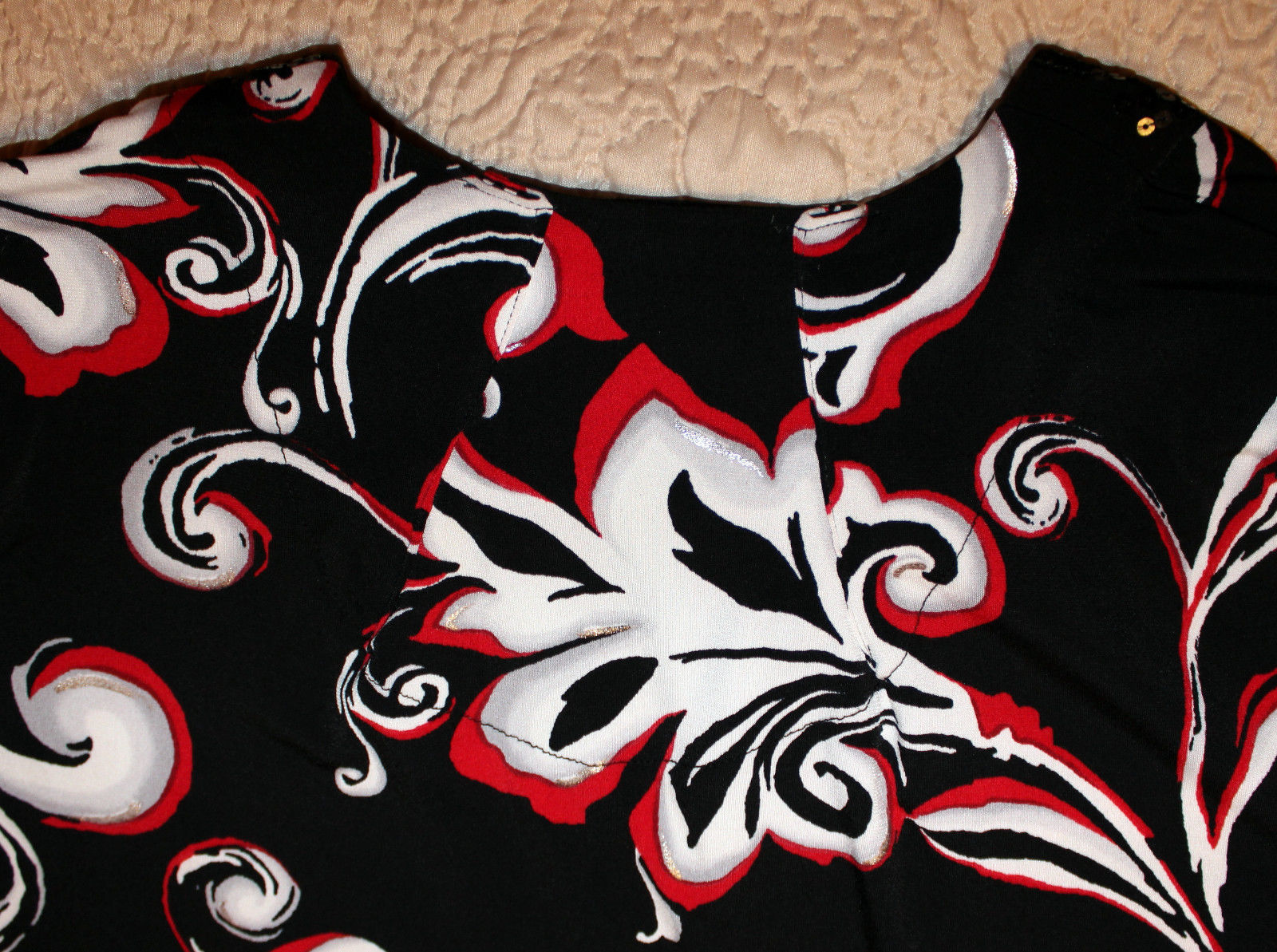BEAUTIFUL 3/4 SLEEVE BLACK WHITE RED FLOWING TOP BLOUSE SEQUINS NECK S M image 5