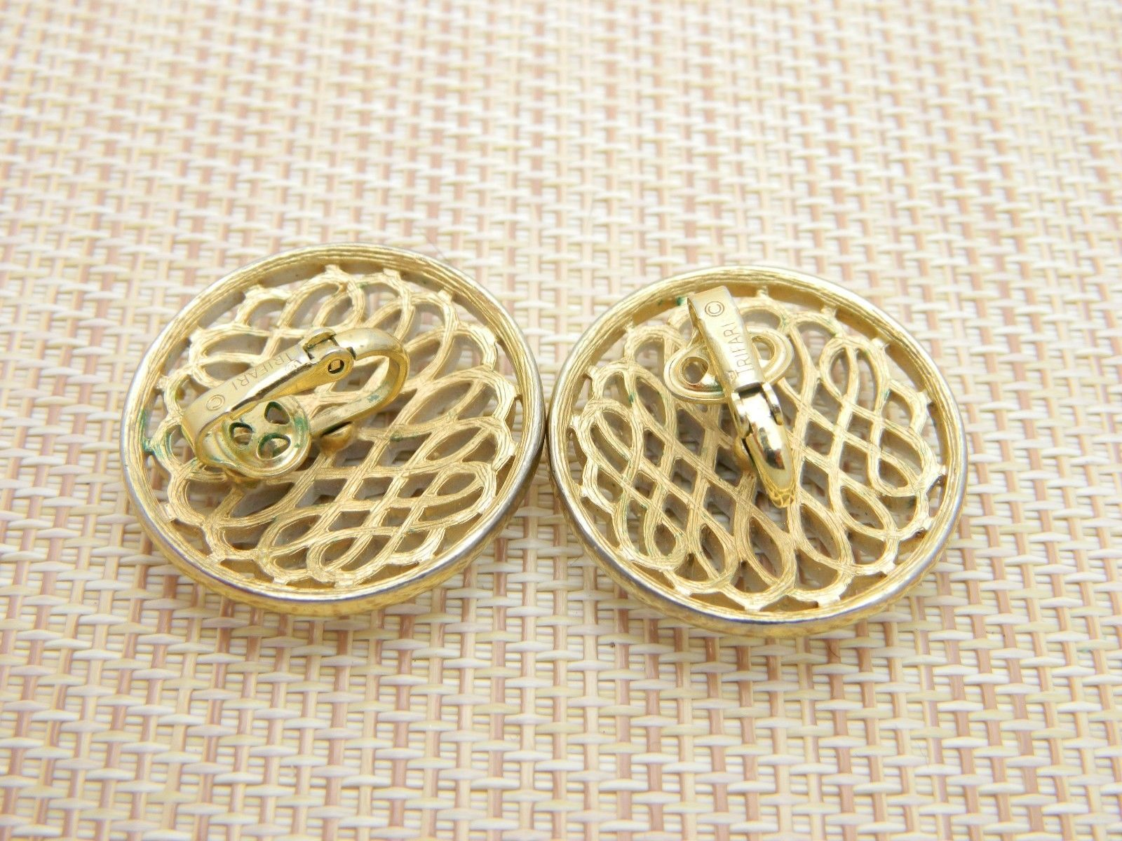 CROWN TRIFARI Gold Tone White Enamel Round Openwork Clip Earrings Vintage