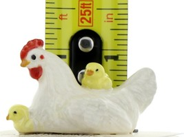 Hagen Renaker Miniature Chicken Hen with Chicks Ceramic Figurine image 2