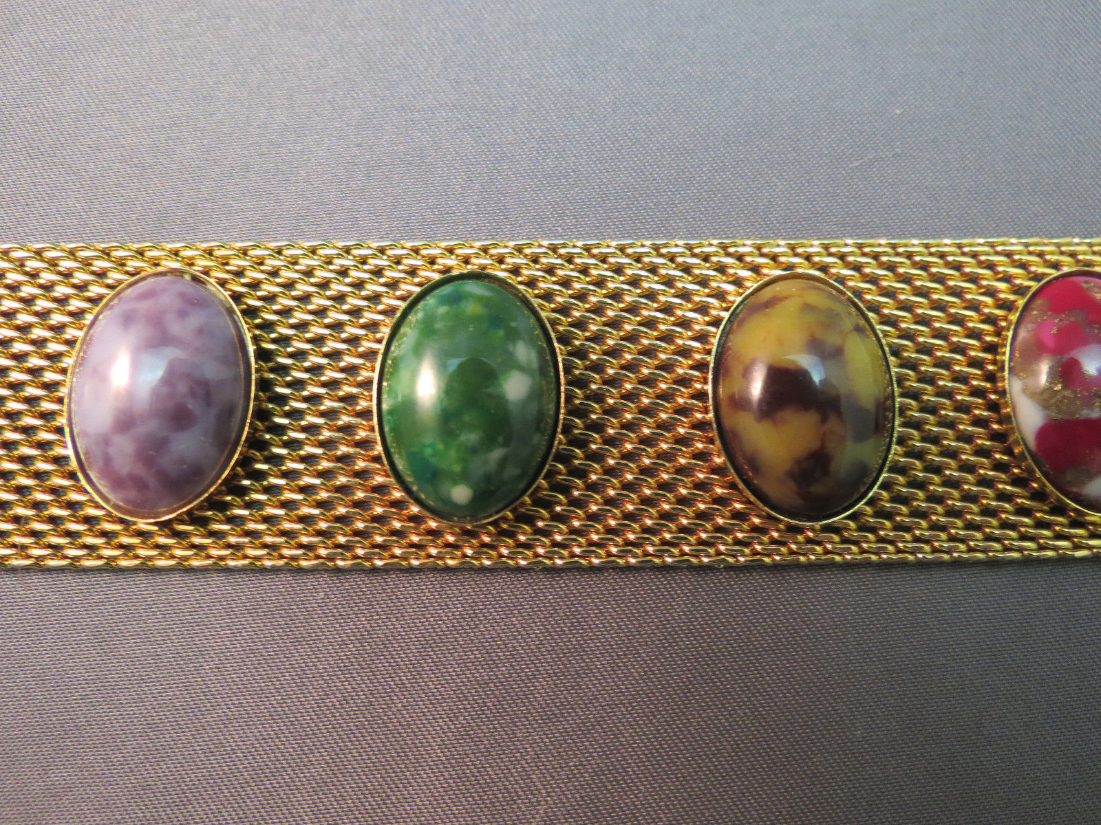 VTG Sarah Coventry Bracelet Wide Mesh Marbled Cabochon Stones Gold Plated 7.5""