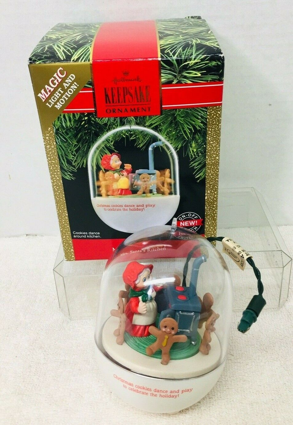 1990 Mrs Santas Kitchen Magic Hallmark Christmas Tree Ornament Box w Price Tag