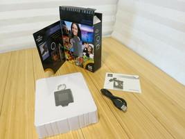 SHARPER IMAGE Black USB 2.0 Digital Photo Keychain Store 60 Photos - $14.01