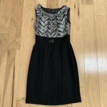 Tahari Arthur S. Levine Women's Dress Size 4 Black White Sleeveless Sheath - $24.74