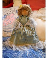 HAND CRAFTED PA DUTCH AMISH DOLL: WOODEN HEAD W/NO FACE; CREPE PAPER CLO... - $8.99