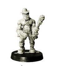 Spellcrow 28mm Fantasy Miniatures: Gangster with Pistol and Club