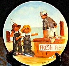 "1983 ""Fish Story"" by Jeanne Down Plate with Box ( Knowles ) AA20-CP2194 Vintage"