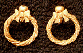 Avon Wreath Earrings Clip On VTG Gold Plated Hoops Hypo-Allergenic Nicke... - $19.77