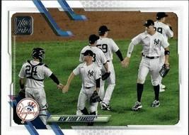 NEW YORK YANKEES - 2021 Topps Series 1 Baseball (#39) - Team Card - $1.58
