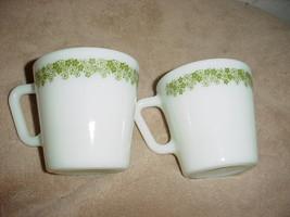 PYREX SPRING BLOSSOM GREEN HEAVY COFFEE MUGS x 2 VGC FREE USA SHIPPING - $14.01