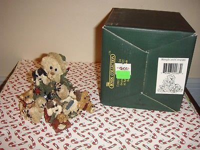 Boyds Bearstone Kringle & Company 2283 GCC Green Suit