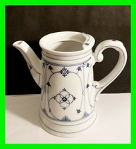 PM Bavaria  Moschendorf Blue & White Strawflower Teapot NO Lid - $19.39