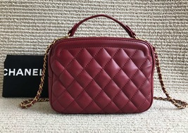 AUTHENTIC CHANEL 2018/2019 RED LEATHER QUILTED 2-WAY HANDLE BAG GHW image 1