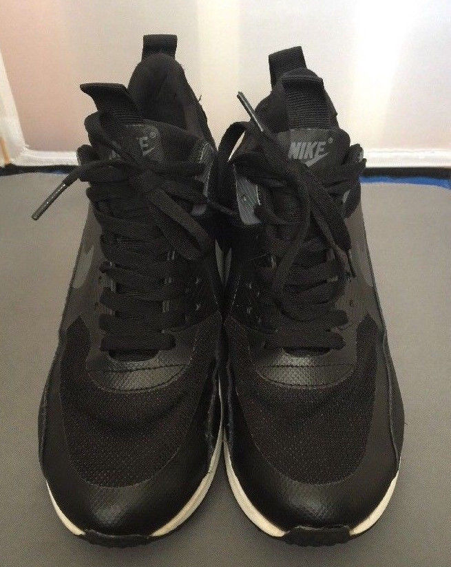 bdc8e93993db Nike Airmax 90 Sneakerboot Mens Running Shoes 616314-002 SIze 8 Black