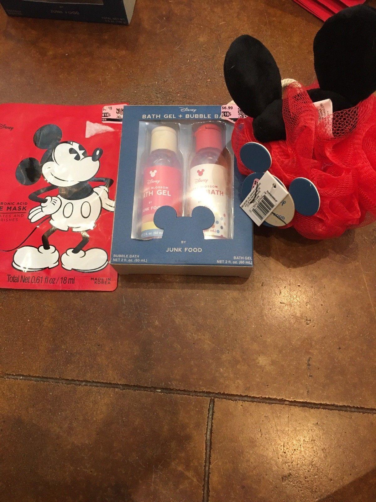 Mickey Mouse Travel Bath Set: Bath Gel, Bubble Bath, Pouf and Face Mask