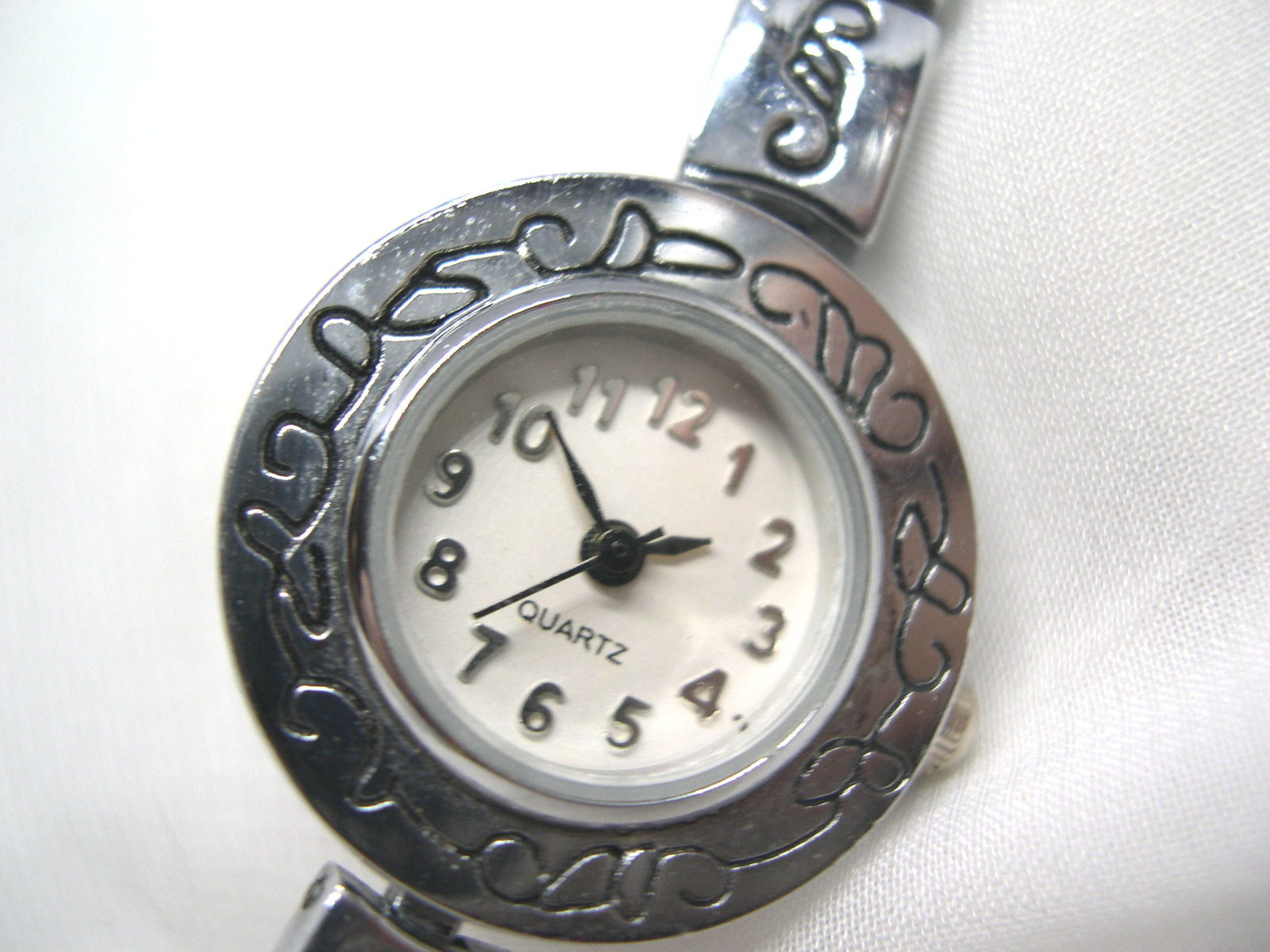 "Primary image for L63, Ladies Dress Watch, Silver Tone, Wht Face, 7.5"" Toggle Bracelet wb"