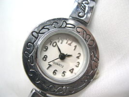 "L63, Ladies Dress Watch, Silver Tone, Wht Face, 7.5"" Toggle Bracelet wb - $15.87"