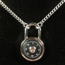 "Vintage 1979 Avon Winning Combination 18"" Lock Pendant Necklace HTF - New! - $28.01"