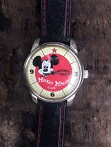 Disney Special Edition Mickey Mouse Club 50th Anniversary Watch - $282,47 MXN