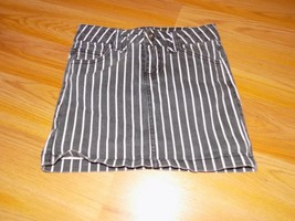 Size 7 Total Girl Black White Striped Denim Mini Skirt Jack Skeleton Bou... - $15.00