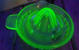 Vintage Uranium Juicer Reamer Depression Vaseline Glass Tab Handle Pour Spout image 9