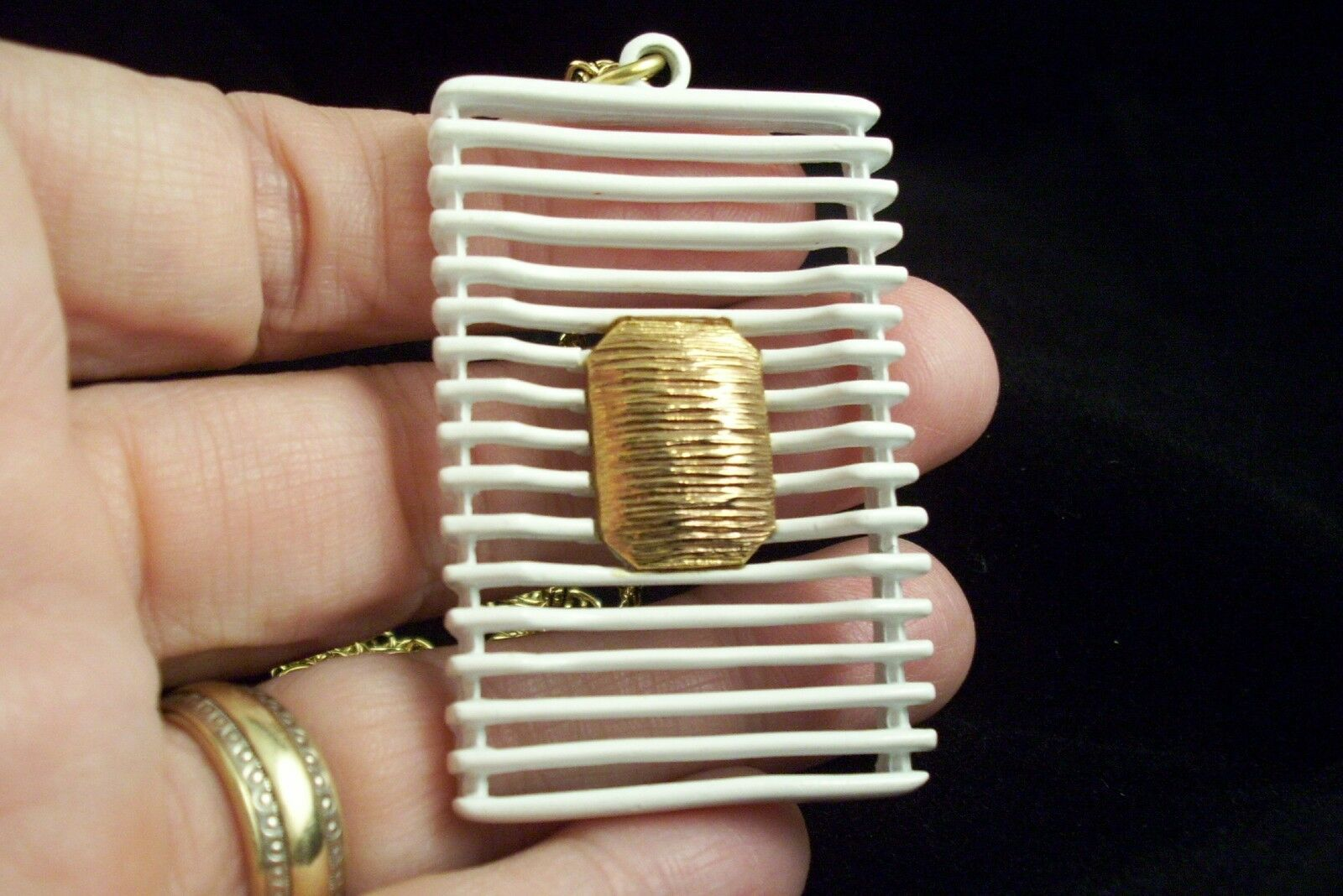 JJ ABSTRACT  WHITE Enamel Pendant Necklace Gold Plate Avant Garde GEOMETRIC image 3