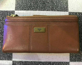 NWT Fossil Ella Brown Pebble Leather Zip Clutch Wallet SWL3004200 - $39.99