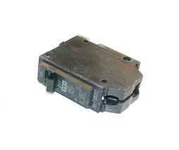 NEW GENERAL ELECTRIC  15 AMP SINGLE-POLE CIRCUIT BREAKER  THQB115 (2 AVA... - $14.99