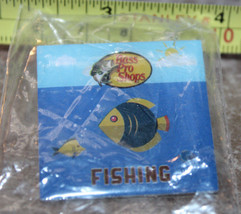 Bass Pro Shops Fishing Collectible Pinback Pin Button New - $13.67