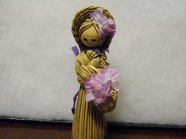 "Vintage Grass Hand Woven Girl Doll Basket Flowers 4"" Tall  - $12.99"