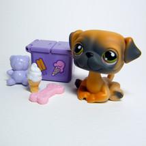 Littlest Pet Shop # 1221 PUG Puppy Tan & Grey body, Green Eyes & Picnic ... - $178,97 MXN