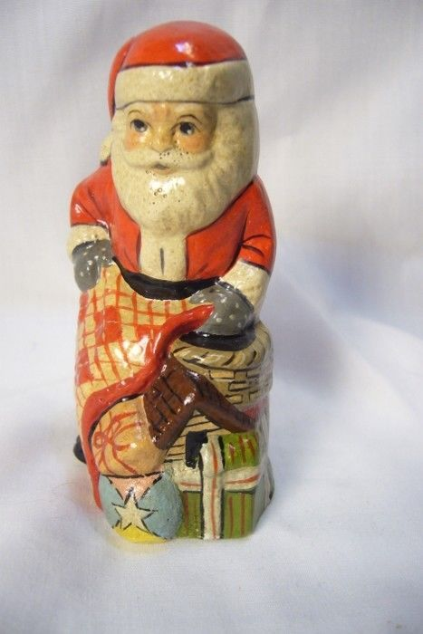 Vaillancourt Folk Art Limited Collectors Weekend Santa Personally signed by Judi