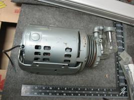 GAST 0211 Vane Vacuum Pump New  image 2