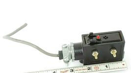 ENERPAC IC-80 LIMIT SWITCH IC80 W/OUT ROLLER image 3