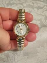 LADIES TIMEX SR621 WATCH - $14.85