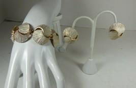Vintage Gold Tone & White Enamel Chunky Bracelet & Clip On Earrings - $22.76