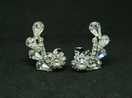 Silver Tone Clear Rhinestone Art Deco Style Abstract Flower Clip Earrings - $19.79