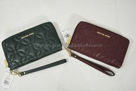 NWT MICHAEL Michael Kors 32H8GFDE3T Large Quilted Leather Smartphone Wristlet - $119.00