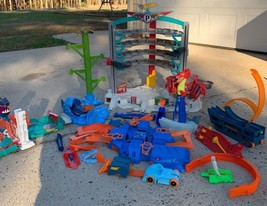Huge Lot Mattel Hot Wheels Track Ultimate Garage Dragon Blast Super Boos... - $148.49