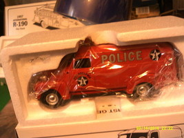 First Gear 1949 Chevy Panel truck- Philadelphia Police Van-1/34 Scale-FREE SHIP - $50.00