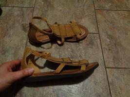 earthbound brown fringe tassel sandals shoes size 36 - $16.82