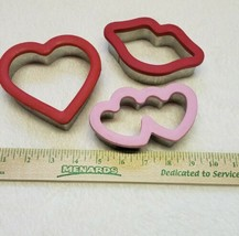 Set of 3 Valentines Love Cookie Cutters Rubber Rim - $14.96