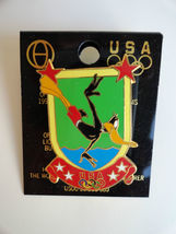 Olympian Daffy Duck Warner brothers 1996 Pin Diving his way to a gold medal - $8.50