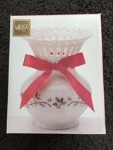 "Mikasa 6"" Holiday Lattice Cutwork Glass Vase Ribbon Holly Berries Christ... - $11.87"