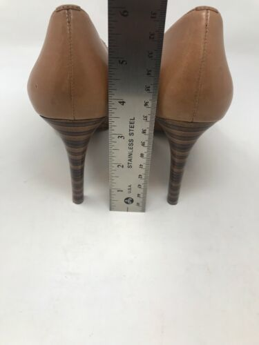 a9337b0361ed Via Spiga Nude Beige Leather Open Toe 3.5