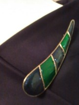 Vintage Golden Pin Brooch Blue Green Enamelled Sweeping Teardrop - $25.00