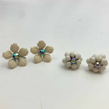 Vintage White Flower Aurora Borealis Rhinestone Screw Back Earrings AB P... - $11.10